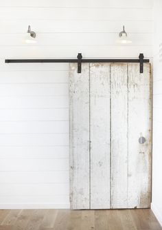 Lisa Collins, Studio One|San Francisco Interiors & Design, sliding barn door, Remodelista what a photo