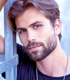 Top 10 Haircuts For Men 2019 & Products You Need Beard Styles For Men, Hair And Beard Styles, Facial Hair Styles, Beautiful Men Faces, Gorgeous Men, Pretty Men, Cabelo Inspo, Medium Hair Styles, Long Hair Styles