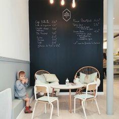 Si vous cherchez où manger à Paris, si vous désirez un endroit joli-joli, doux, cozy, frais et délicieux, rendez-vous chez Maison Bastille, 34 bis rue Amelot, près de la Bastille , métro Chemin vert ou Breguet Sabin
