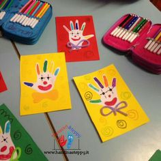 ideas baby crafts for parents handprint art Clown Crafts, Carnival Crafts, Baby Crafts, Toddler Crafts, Daycare Crafts, Preschool Crafts, Circus Activities, Footprint Art, Art Drawings For Kids
