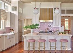 Consider This South Carolina Vacation Home An Ode To Summer And Sunrises Küchen Design, House Design, Interior Design, Kitchen Dining, Kitchen Decor, Kitchen Cabinets, Hill Interiors, Pink Houses, Home Kitchens