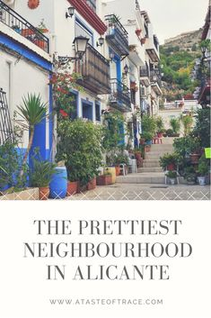 El Barrio de Santa Cruz has got to be the prettiest neighbourhood in Alicante. The narrow alleyways filled with potted plants and pops of colour is just dreamy. Travel Couple, Family Travel, Alicante Spain, Alleyway, European Countries, Photo Essay, Seville, Spain Travel, Facades