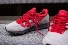 #scarpe sportive uomo.  Asics gel lyte V via mariosport. Click on the image to see more!