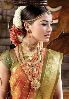 Amy Jackson Traditional Looks Gallery - Actress Album Indian Bridal Wear, Asian Bridal, Indian Wear, Amy Jackson In Saree, Jackson Movie, Bridal Looks, Bridal Style, South Indian Blouse Designs, Shabby Chic