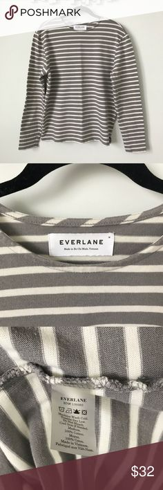 """Everlane • heavyweight tee Everlane • heavyweight tee • light gray and cream • excellent condition • all measurements were taken flat and are approximate: pit to pit 21"""" 