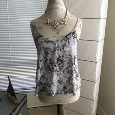 Forever 21 top Very versatile top, dressed up or down, jeans, slacks or shorts, from casual Friday to happy hours! Worn once only and washed with organic soap. Forever 21 Tops