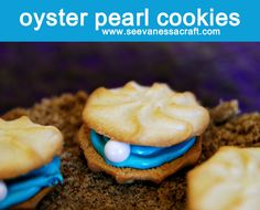 COOKIES - Clam shell: These oyster pearl cookies are the perfect addition to any ocean or under the sea themed party! Not only are they super easy and quick to make, they taste yummy too! I crafted up these edible ocean. Little Mermaid Birthday, Little Mermaid Parties, Oyster Cookies, Mermaid Cookies, Edible Crafts, E 7, Cookies Et Biscuits, Sweet Tooth, Sweet Treats