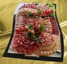 Die 31 besten bilder von sch ne wurstplatten aufschnitt fingerfood und garnieren - Wurstplatten dekorieren ...