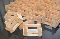 Discover thousands of images about Ideia Caixote Fazendinha com Palito de Picolé Popsicle Stick Crafts, Popsicle Sticks, Craft Stick Crafts, Diy And Crafts, Crafts For Kids, Kids Diy, Decor Crafts, Masha Et Mishka, Diys