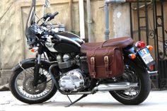 ac8cc569ba Borsa per Moto - Low Rider Bag - Brown - Triumph - Franco Cuoio - Borse per  Harley, Triumph.