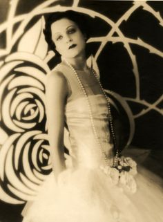 Shirley Dorman, 1920s