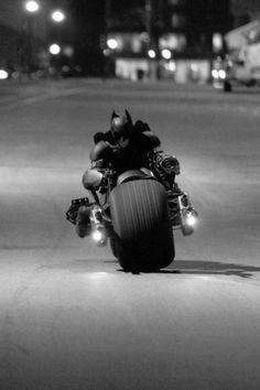 The Dark Knight Rises Batman Bike, Im Batman, Batman Art, Superman, The Dark Knight Trilogy, The Dark Knight Rises, Batman The Dark Knight, Batman Christian Bale, Batman Costumes