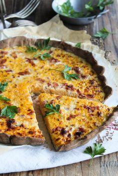 Tarte potiron, lard et cumin {sans lait - sans gluten} - Ingrédients : 600 g de potiron, 50 g de lard, 3 œufs, 1 cuillère à soupe de graines de cumin...