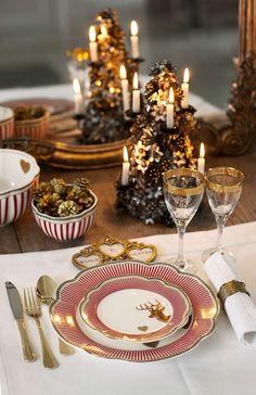 Mesa decorada com dourado para a ceia de Natal | Eu Decoro