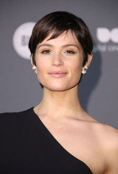 Behold one of the sweetest pixie cuts we've spotted yet this year—a piece-y fringe masterpiece we're bookmarking forsummer.