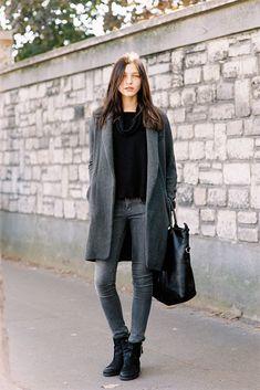 Grey and black outfit. Via Vanessa Jackman: Paris Fashion Week SS 2013 Estilo Fashion, Fashion Moda, Fashion Week, Look Fashion, Womens Fashion, Fashion Trends, Paris Fashion, Fashion Clothes, Fall Fashion