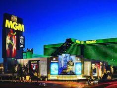 Viva Las Vegas! 🎲 ✈️🍸⠀ ⠀ The amazing 4* MGM Grand Las Vegas from £639pp - 4nts incl. flights - http://www.tickboxx.com/travel-deals/las-vegas-city-break/ ⠀ #LasVegas #Nevada #Merica #USA #SinCity #Travel #BucketList #Adventure #Vacation #CityBreak #Leisure #TravelDeals #CheapBreaks #CheapFlights #Casino