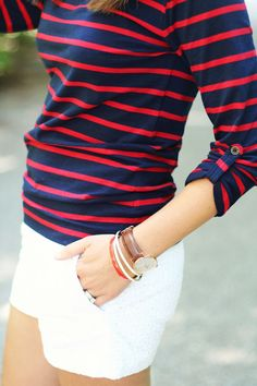Red blue striped shirt w/ white shorts need this outfit for July Looks Style, My Style, Style Blog, Look Fashion, Womens Fashion, Gothic Fashion, Summer Outfits, Casual Outfits, Style Japonais