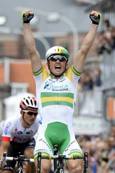 Simon Gerrans wins the 2014 Liège-Bastogne-Liège. Makes Orica Green Edge's season again.