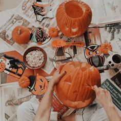 Halloween Inspo, Halloween Season, Holidays Halloween, Halloween Themes, Halloween Decorations, Autumn Aesthetic, Aesthetic Gif, I Love Winter, Autumn Cozy