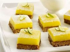 Melting bites with lemon and speculoos: discover the cooking recipes of Femme Actuelle Le MAG - Dessert Recipes Mini Desserts, French Desserts, Lemon Desserts, Vegan Dessert Recipes, Delicious Desserts, Cooking Recipes, No Bake Lemon Pie, No Bake Lemon Cheesecake, Lime Squares Recipes