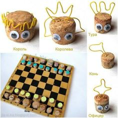 . Cork Crafts, Diy Crafts, Tic Tac Toe Game, Diy Games, Small Canvas, Calling Cards, Chess, Art Lessons, Board Games