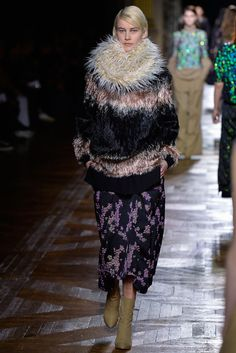 forlikeminded:Dries Van Noten - Paris Fashion Week - Fall 2015 Delfine Bafort