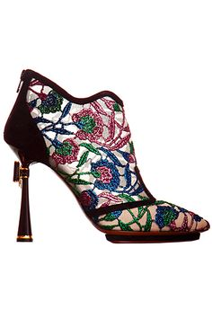 Nicholas Kirkwood FW 2012 [Beautiful embroidery. Seems to be very stylish to have embroidered footwear. I love them sooooo much! :) Mo]