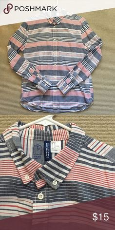 Men's Divided by H&M Button-Up This shirt is in great condition and barely worn. It is a casual button up from H&M. It is red, white and blue and would be great for 4th of July 2017! It's a size medium. H&M Shirts Casual Button Down Shirts