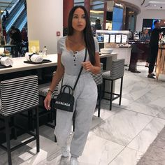 date outfit casual Chill Outfits, Stylish Outfits, Cute Outfits, Fashion Outfits, Sweatpants Outfit, Lounge Outfit, Lounge Wear, Stretch Jeans, Oufits Casual