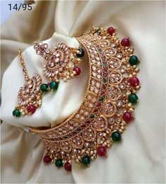 FashionVibes Jewelry Red and Green Designer Kundan Choker Necklace Indian Jewelry Sets, Indian Wedding Jewelry, Bridal Jewelry, Wedding Necklace Set, Shoulder Jewelry, Antique Jewellery Designs, Jewelry Design Drawing, Antique Wedding Rings, Necklace Designs