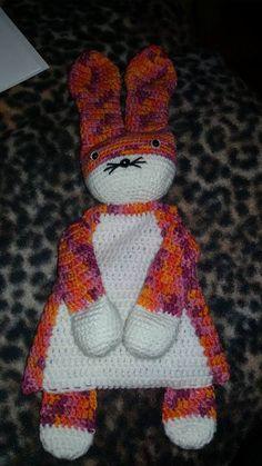 """Lappenpop uit het boek """"Gehaakte lappenpoppen"""" a la Sascha. Gemaakt door Helga S."""