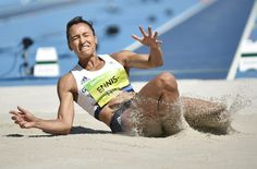 JESSICA Ennis-Hill took another small step toward retaining her Olympic heptathlon gold despite falling short in the long jump. The Team GB superstar was the overnight leader going into the event a… Rio 2016 #Rio2016 #リオ五輪