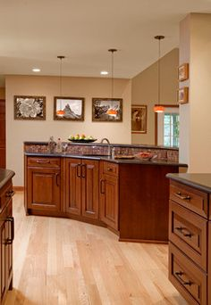 Kitchen Peninsula Design, Pictures, Remodel, Decor and Ideas - page 19 Black Granite Kitchen, Black Kitchens, Kitchen Black, Dream Kitchens, Hardwood Floor Stain Colors, Peninsula Kitchen Design, Kitchen Dinning, Dining Room, Eclectic Kitchen