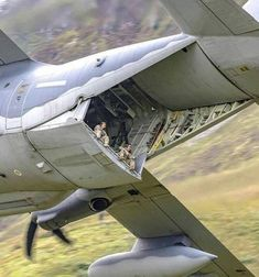 Lockheed Herculese been there done that Military Jets, Military Aircraft, Fighter Aircraft, Fighter Jets, Auto Union 1000, C130 Hercules, Flying Vehicles, Aircraft Design, Air Force