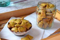 Te explicamos paso a paso, de manera sencilla, la elaboración de la receta de galletas saladas o crackers de harina de garbanzos. Ingredientes, tiempo de elaboración Sin Gluten, Real Food Recipes, Cooking Recipes, Snacks Saludables, Yummy Cookies, Scones, Gluten Free Recipes, Finger Foods, Tapas