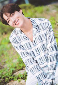 V E Jhope, Jhope Cute, Foto Bts, Bts Photo, Jung Hoseok, Billboard Music Awards, Gwangju, Mixtape, Wattpad
