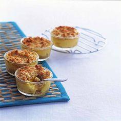 Zachte, zoete appel met een krokant laagje uit de oven. Samen met vanillevla een heerlijk toetje!