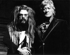 Roy Wood and Jon Pertwee Doctor Who, Jeff Lynne Elo, Roy Wood, Sci Fi Tv Series, Jon Pertwee, Sci Fi Shows, Odd Couples, Classic Series, Scene Photo