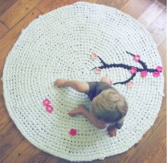 Crochet Japanese cherry tree rug. The item is sold ou in Etsy, pinned it for inspiration.