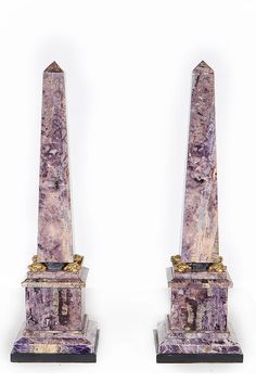 A pair of XIXth Century Marble Obelisks - Height : 36 cm