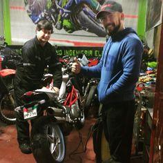 Kavaleras garage con Vicente