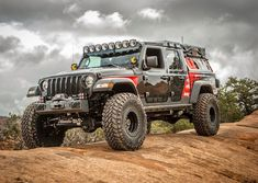 This modified Jeep Gladiator is finished, and it's crawling Moab for the first t… – offroad Jeep Pickup, Jeep 4x4, Jeep Truck, Ford Trucks, Overland Truck, Badass Jeep, Jeep Gladiator, Jeep Life, Offroad