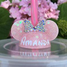Disney Diy, Disney Crafts, Disney Stuff, Pink Minnie, Minnie Mouse, Cactus Keychain, Diy Straw, Minnie Birthday, Resin Crafts