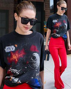 July 28: Gigi Hadid Leaving her apartment in NYC #model #beauty #starwars #gigihadid ❤❤❤