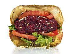 Męska kuchnia: 4 przepisy na burgery pełne zdrowia