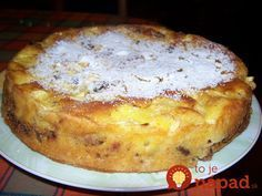Rýchly jabĺčnik s orechami a škoricou. Apple Dessert Recipes, Köstliche Desserts, Delicious Desserts, Cake Recipes, Snack Recipes, Cooking Recipes, Yummy Food, Croatian Recipes, Hungarian Recipes