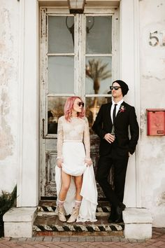 The eclectic and boho styles in this New Orleans wedding at Race + Religious are giving us total heart eyes! | Image by Lauren Scotti