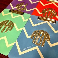 Chevron monogram clipboards--how do I get one of these that can store stuff inside? Do It Yourself Quotes, Do It Yourself Projects, Do It Yourself Home, Glitter Chevron, Chevron Monogram, Cute Crafts, Diy And Crafts, Arts And Crafts, Crafty Craft