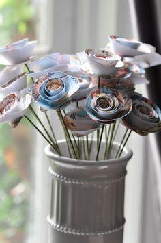 Carte : fleurs en papier sur des tiges de fleurs par lillesyster